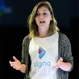 Fabíola da Rocha Borba, cofundadora da Signa, durante apresentação em Dubai