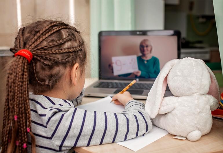 Ilustração do post Novos hábitos de estudo na quarentena reaproximam estudantes de computadores