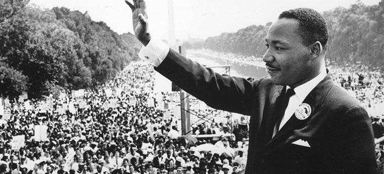 Martin Luther King durante manifestação