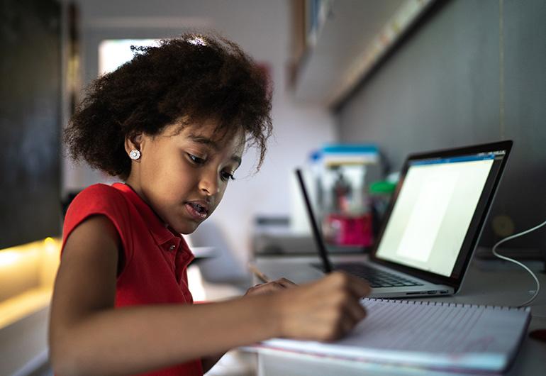 Ilustração do post O que considerar ao preparar a transição entre ensino remoto, híbrido e presencial