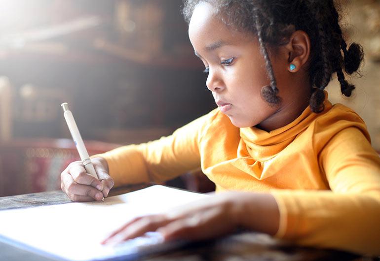 Ilustração do post Ensino remoto é difícil, mas já pensou como é a alfabetização a distância? Veja estratégias